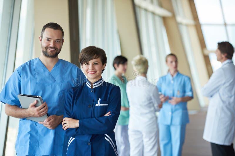 Download 小组医院的医护人员 库存图片. 图片 包括有 专家, beaufort, 办公室, 户内, 医生, 人们 - 62530617