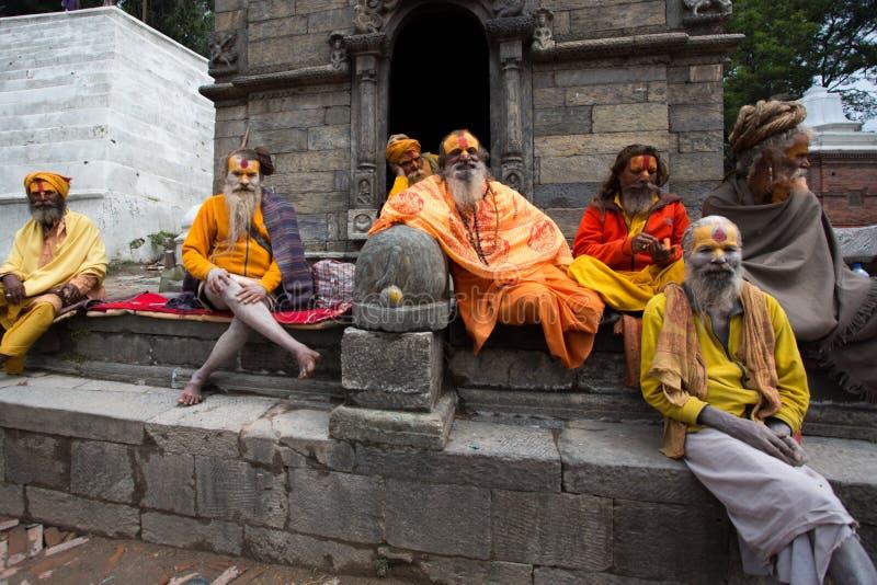 小组Sadhus -圣洁者在尼泊尔 免版税库存图片