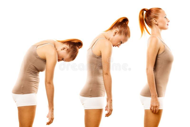 少妇实践的瑜伽脊椎卷 库存图片