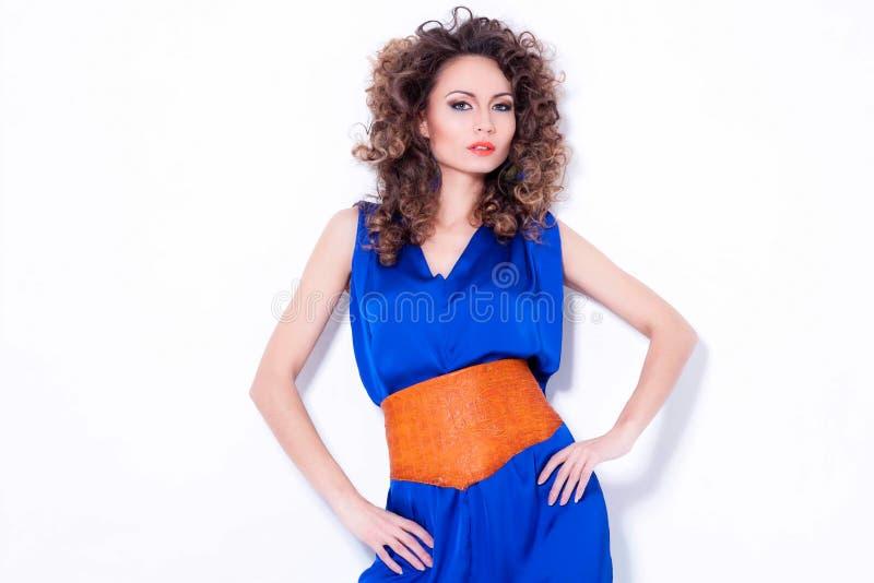 Download 少妇时髦的画象 库存照片. 图片 包括有 蓝色, 愉快, browne, beauvoir, 橙色, 相当 - 30338178