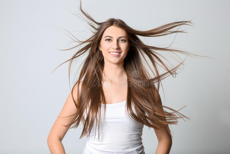 少妇画象有长的美丽的头发的 库存照片