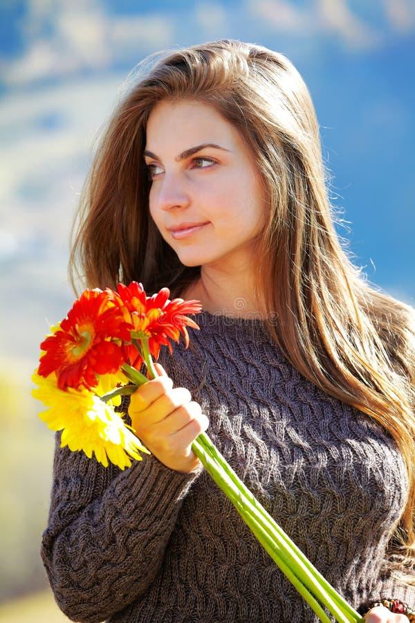 少妇纵向在秋天 免版税图库摄影