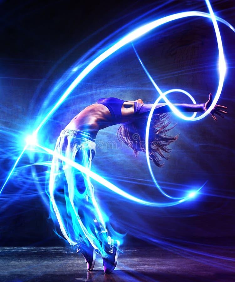 少妇舞蹈家 免版税图库摄影