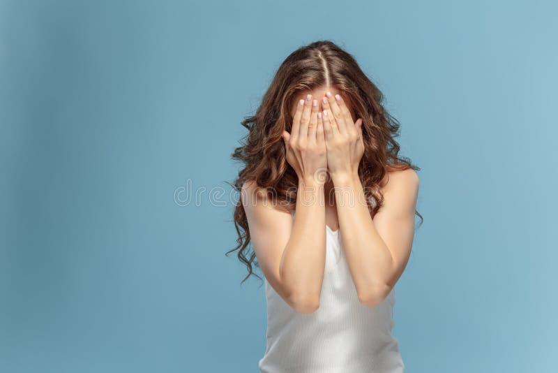 少妇` s画象激动痛苦 免版税库存照片
