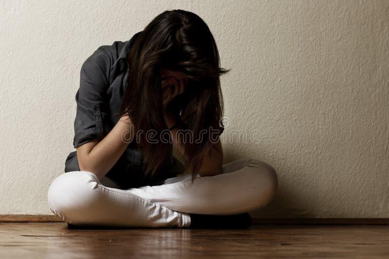 少年沮丧的女孩 免版税库存图片