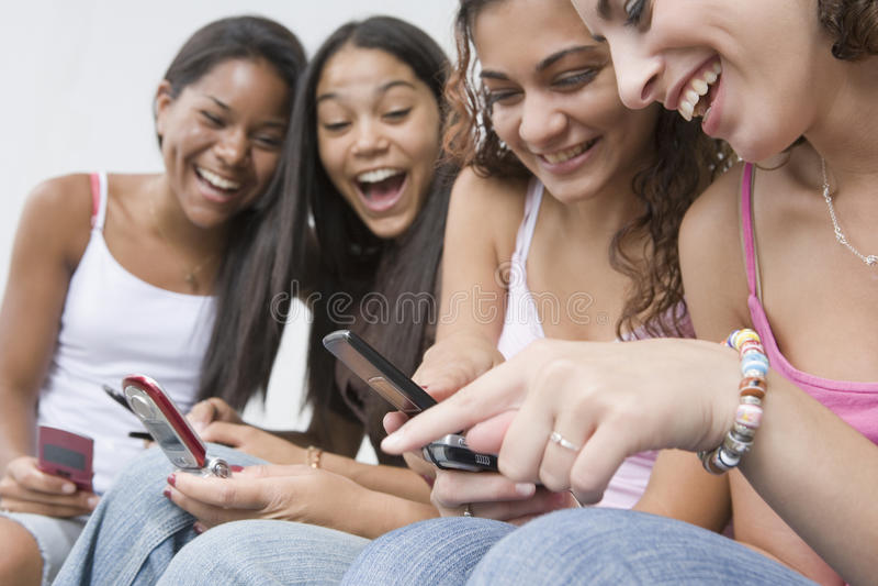 少年美丽的四个的女孩 免版税库存照片