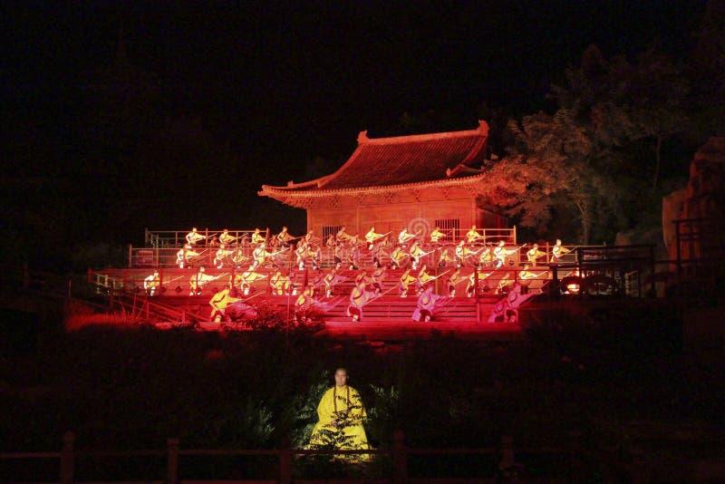 少林禅宗音乐仪式 露天轻的展示和武术表现在中国 免版税库存图片
