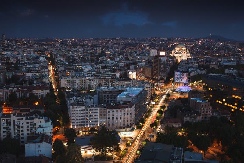 贝尔格莱德,塞尔维亚, 2017年7月22日 都市风景在晚上 免版税库存图片