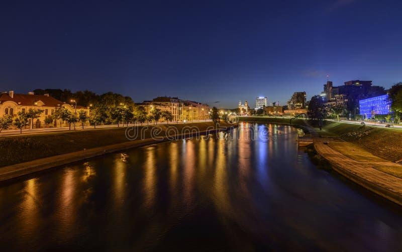 维尔纽斯,立陶宛,欧洲,从桥梁的看法 免版税库存照片