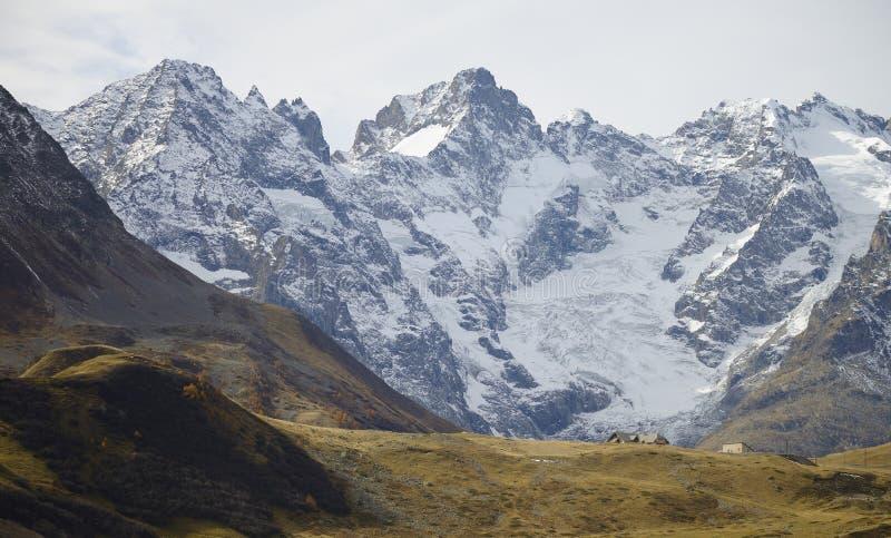 彻尔du Lautaret和断层块des à ‰ crins的山 免版税库存图片