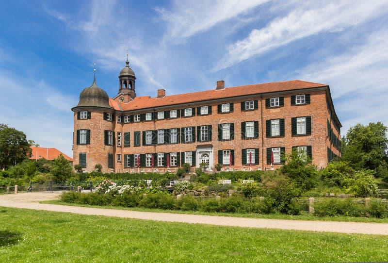 尤丁历史城堡的花园翼 免版税图库摄影
