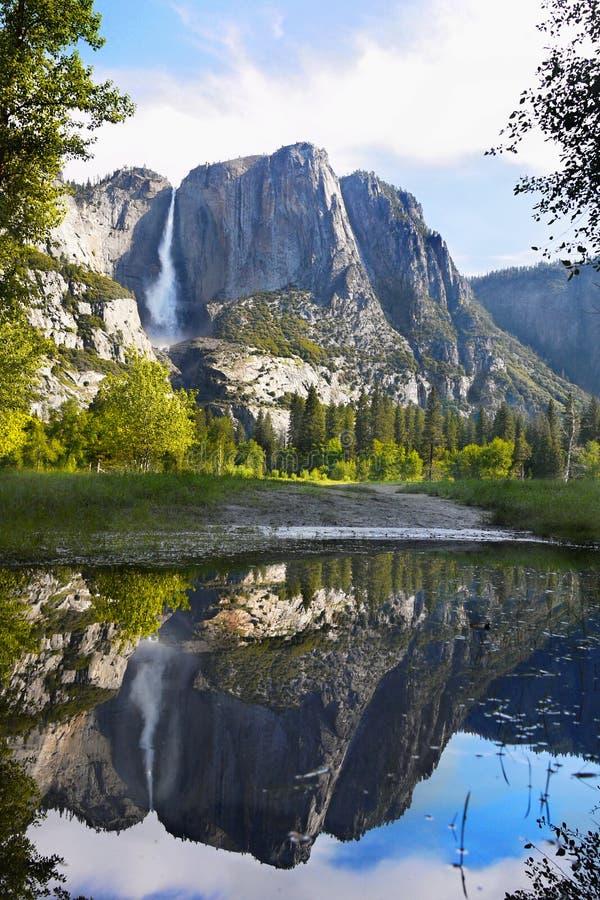 尤塞米提谷山秋天,美国国家公园 免版税库存照片