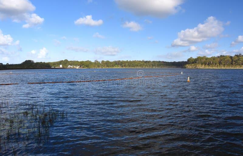 尤恩Maddock水坝是地球积土堤防水坝 库存图片