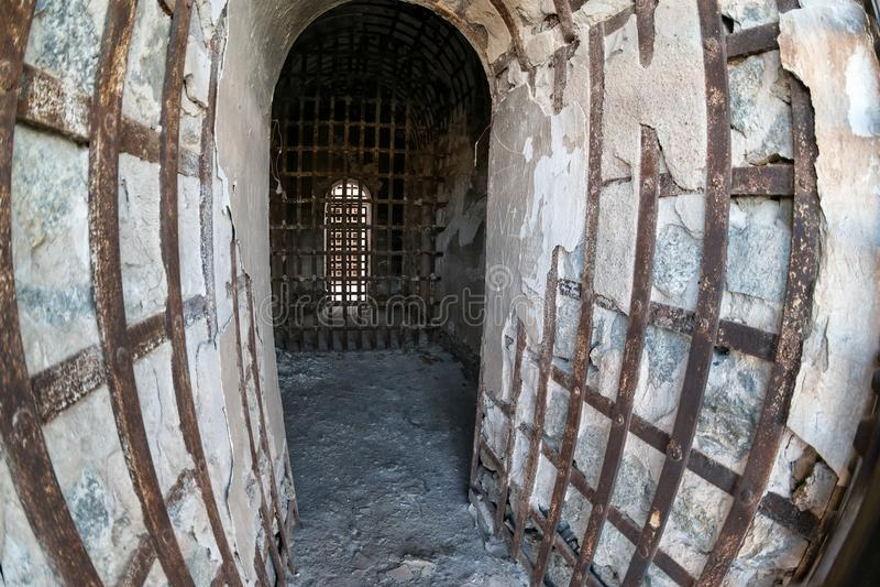 尤马领土监狱、钢棍和混凝土 库存图片