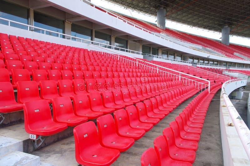 Download 就座体育场 库存图片. 图片 包括有 整洁, 颜色, 上升, 瓶颈, 橄榄球, 就座, 位子, 线路, 缺少颜色 - 22352357
