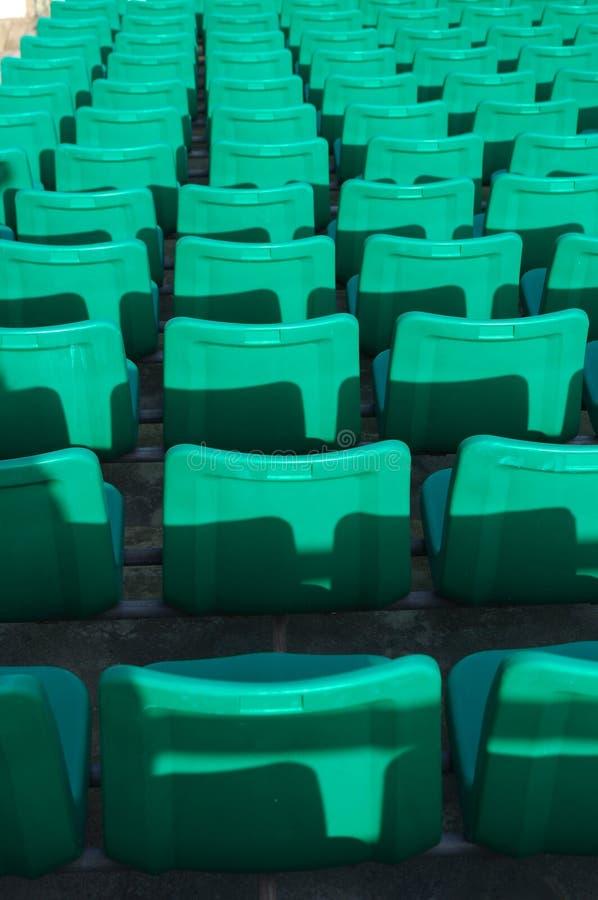 Download 就座体育场 库存照片. 图片 包括有 对象, 没人, 公共, 瓶颈, 编号, 线路, 椅子, 颜色, 级别 - 22352626