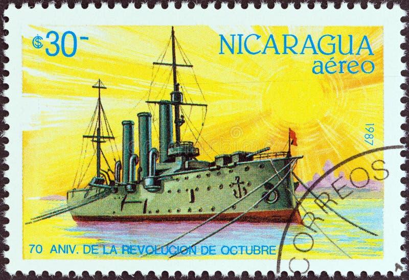 尼加拉瓜-大约1987年:在尼加拉瓜展示打印的邮票阿芙乐尔号巡洋舰,大约1987年 免版税库存照片