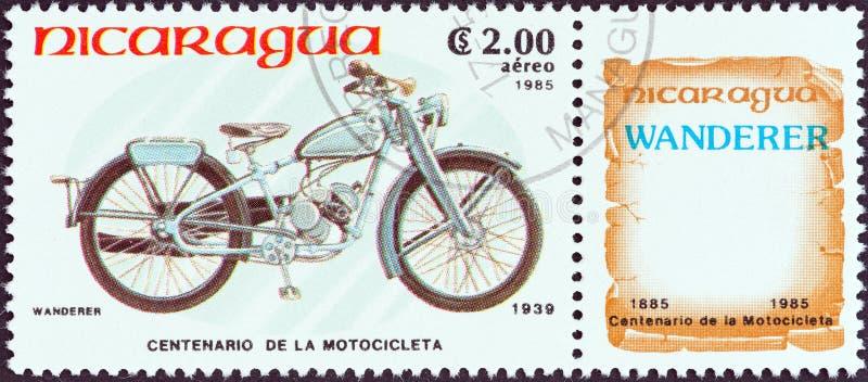 尼加拉瓜-大约1985年:在尼加拉瓜打印的邮票显示一个流浪汉98 M 1 Sport,1939年,大约1985年 图库摄影