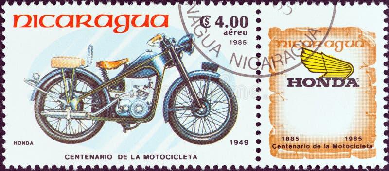 尼加拉瓜-大约1985年:在尼加拉瓜打印的邮票显示本田梦想D型,1949年,大约1985年 免版税库存图片