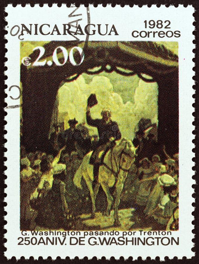 尼加拉瓜-大约1982年:在尼加拉瓜打印的邮票显示穿过特伦顿的华盛顿,大约1982年 免版税库存照片