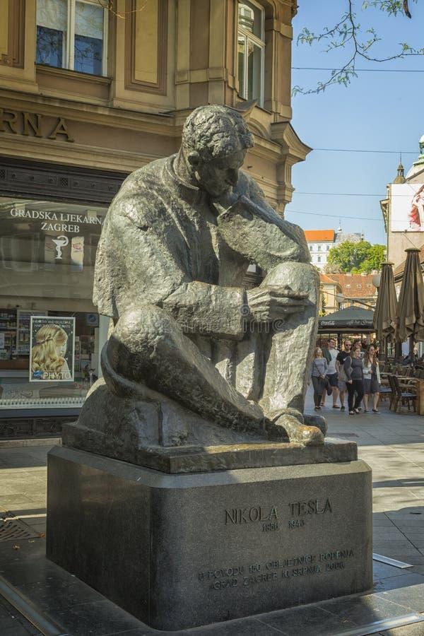 尼古拉・特斯拉纪念碑在萨格勒布,克罗地亚 免版税库存照片