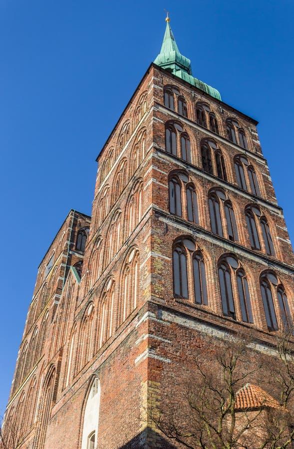 尼古拉斯教会的塔在施特拉尔松德 免版税库存照片