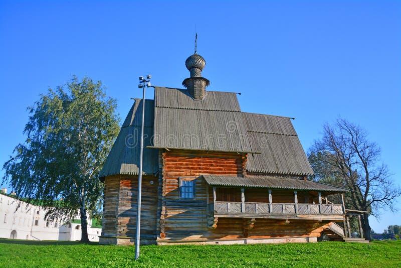尼古拉斯Wonderworker& x27; 从Glotovo村庄的s教会在克里姆林宫在苏兹达尔,俄罗斯 免版税库存照片