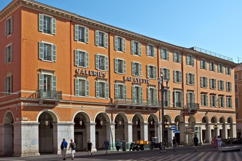 尼斯城市-画廊拉斐特 免版税库存照片