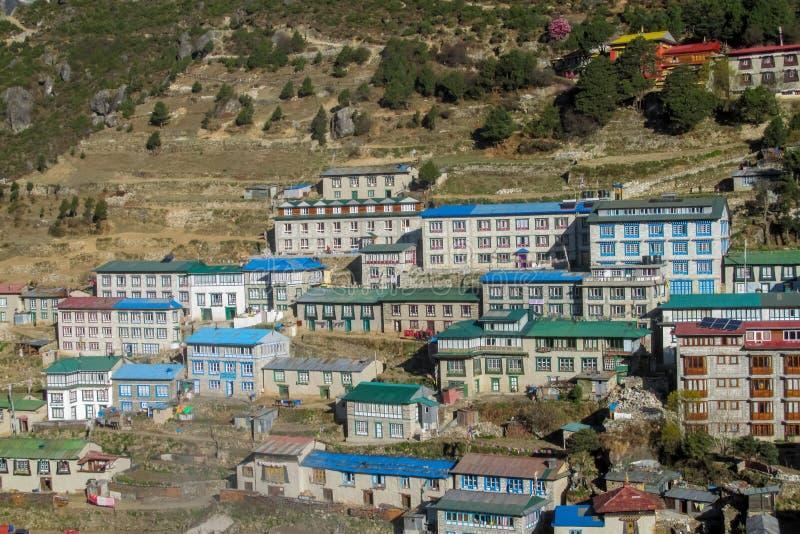 尼泊尔南崎巴札EBC迁徙的路线的山村 免版税库存照片