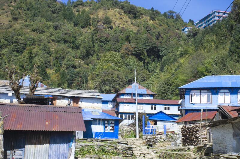 尼泊尔喜马拉雅山脉房屋景观 库存照片