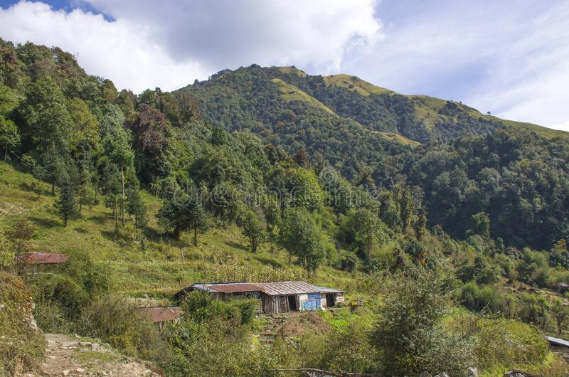 尼泊尔喜马拉雅山脉房屋景观 库存图片