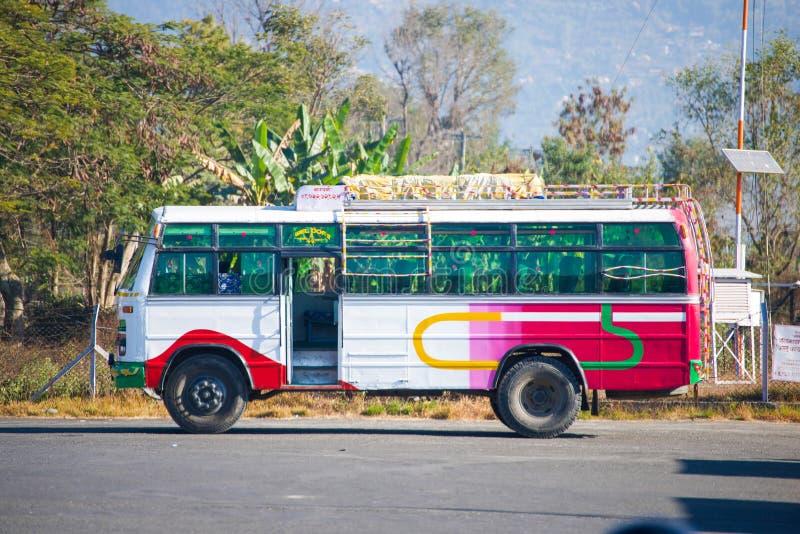 尼泊尔- 2016年1月3日: :局部总线在加德满都 免版税库存图片