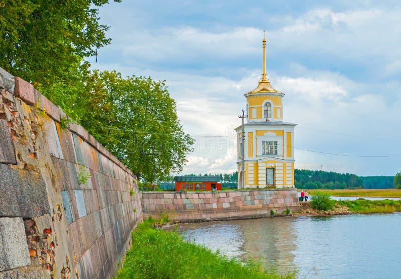 尼罗Stolobensky修道院在特维尔州地区和Seliger湖,特维尔州,俄罗斯 Svetlitskaya塔 旅行风景 免版税库存图片