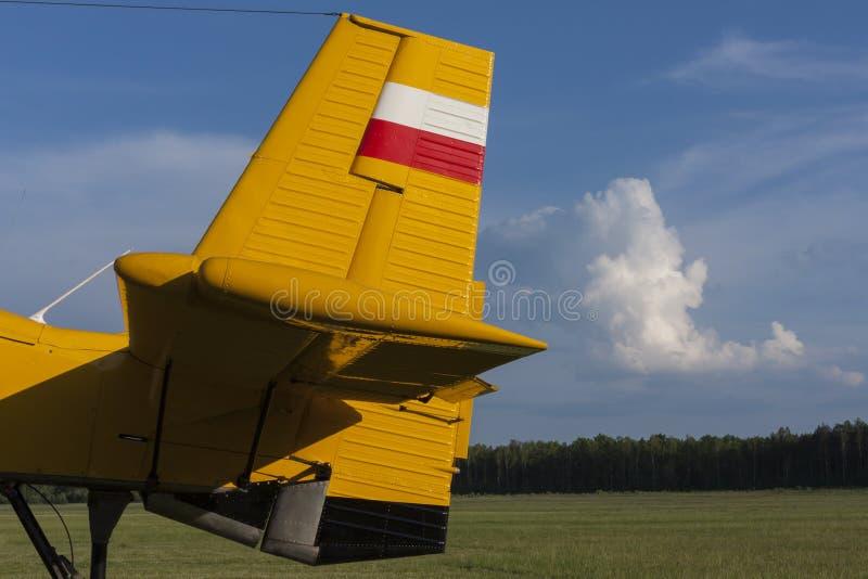 尾巴和船舵飞机 免版税库存图片