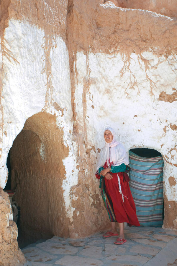 穴居人communitie的巴巴里人妇女 免版税图库摄影