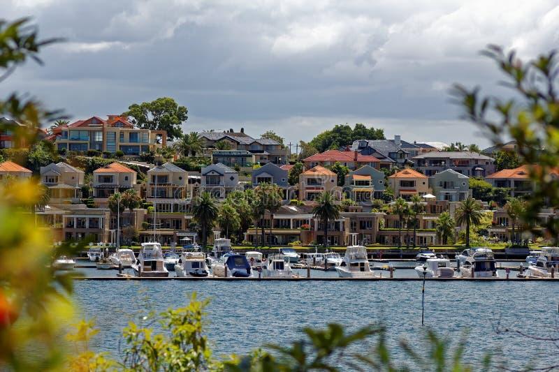 居住在悉尼港口风景的豪华 免版税图库摄影