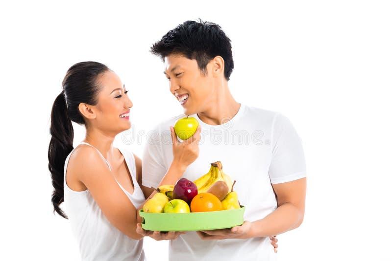 居住的夫妇吃和健康 免版税库存图片