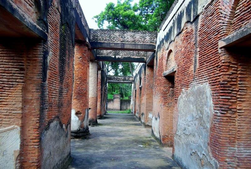 居住的被毁坏的纪念碑 库存图片