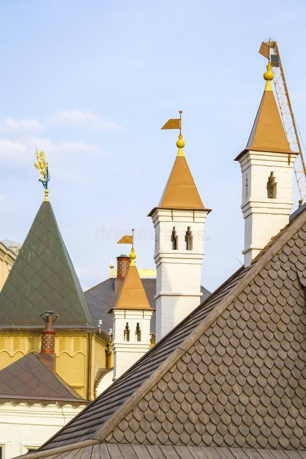 屋顶古老房子 免版税图库摄影