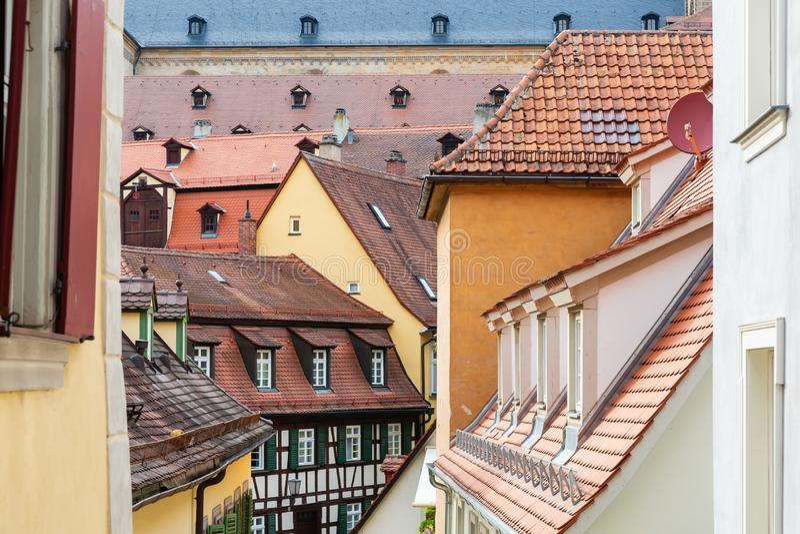 屋顶在琥珀,德国中世纪老镇  免版税库存照片