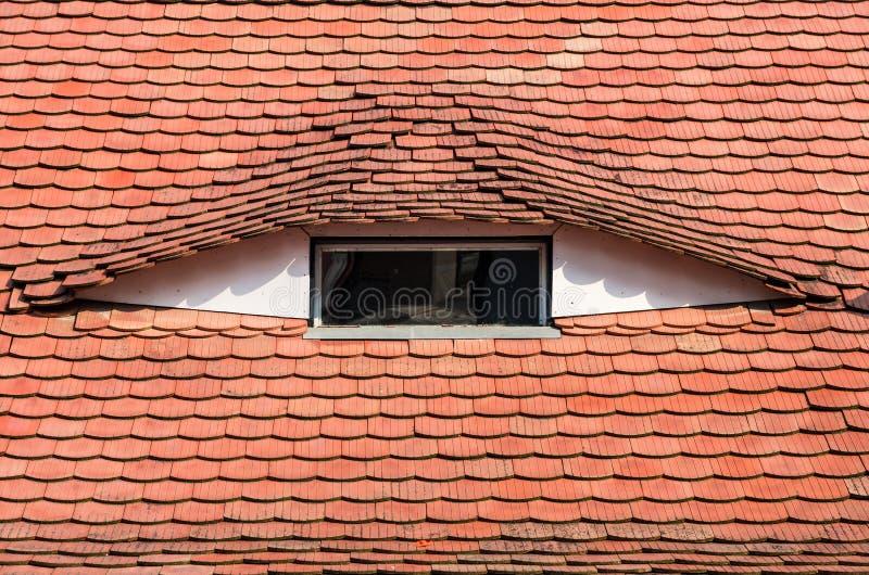 屋顶建筑学细节在锡比乌,特兰西瓦尼亚 免版税库存图片