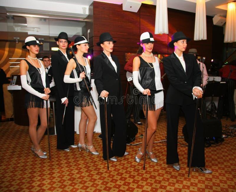展示芭蕾舞团的舞蹈家跳舞小组样式 库存图片