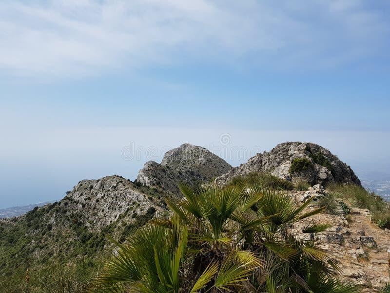 山上面在马尔韦利亚西班牙 免版税图库摄影