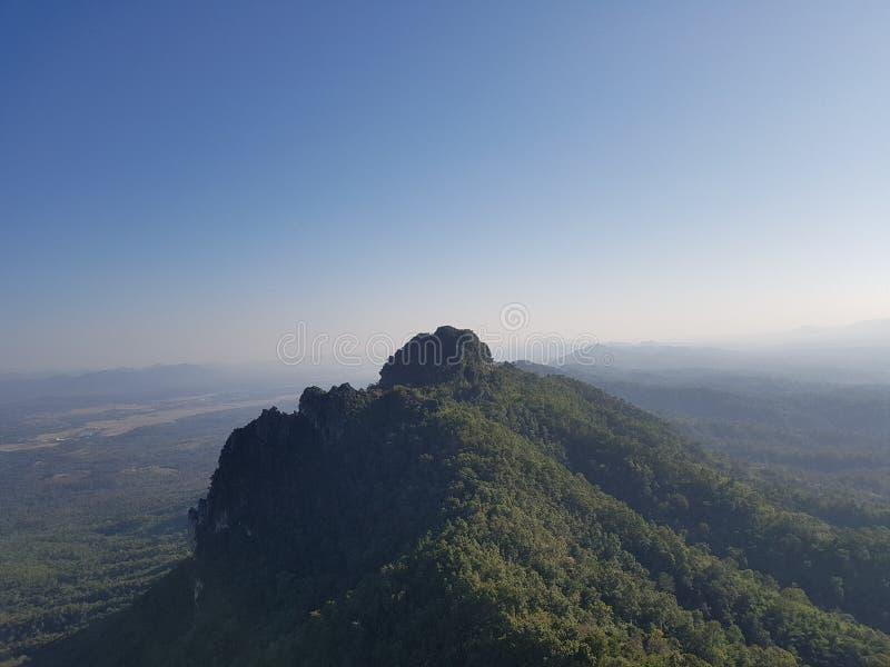 山上面在LAMPANG的 库存图片