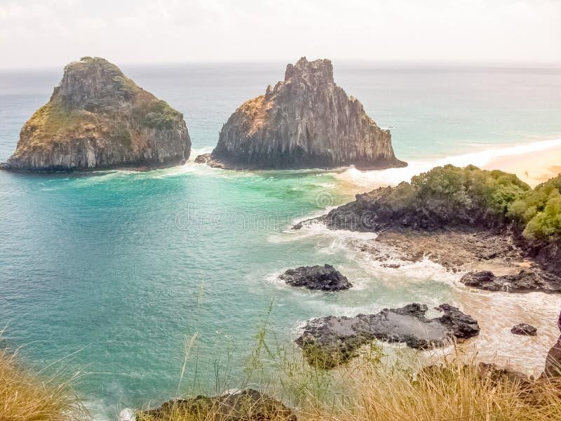 山两兄弟-费尔南多・迪诺罗尼亚群岛/巴西 免版税库存照片