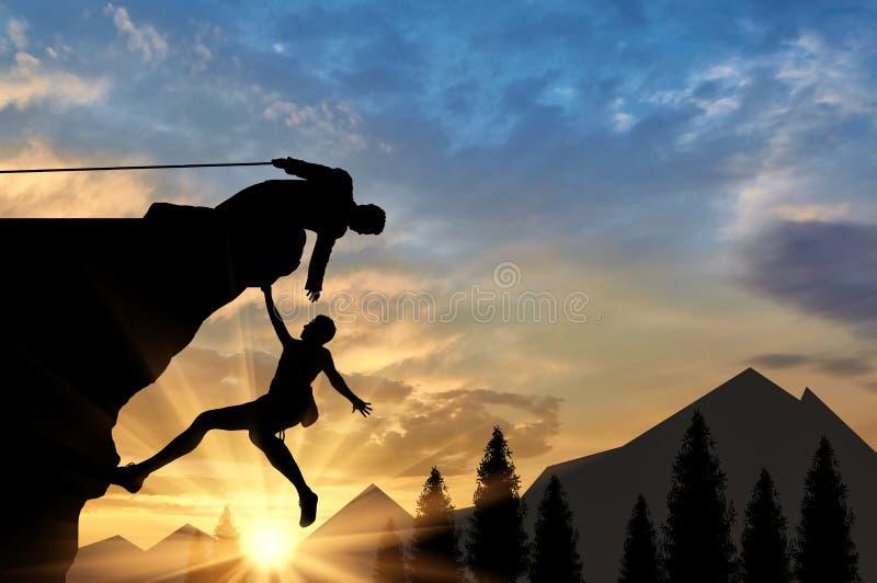 登山人帮助给在山日落的朋友帮手 皇族释放例证
