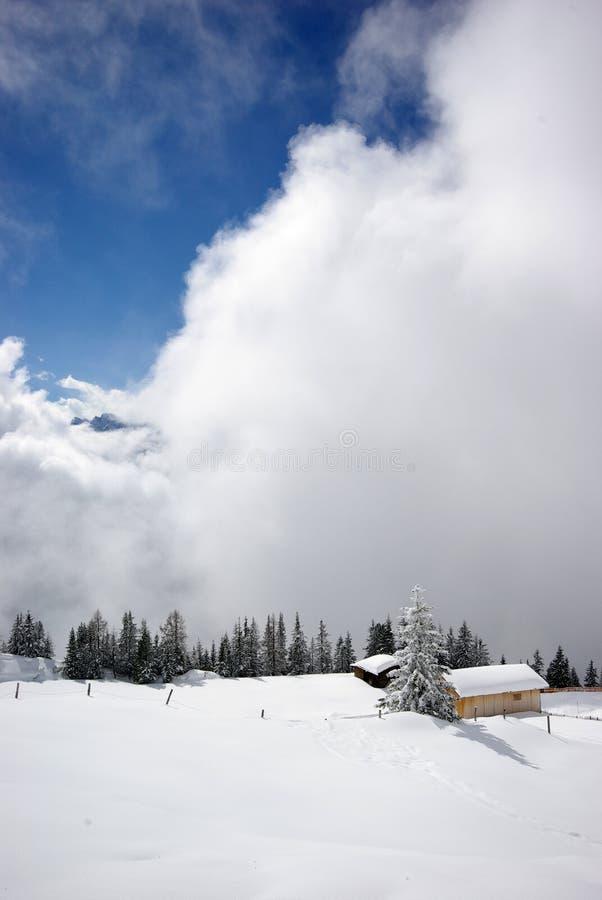 山全景场面冬天 免版税库存照片