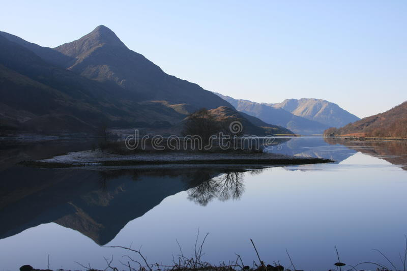 山反映苏格兰人 图库摄影