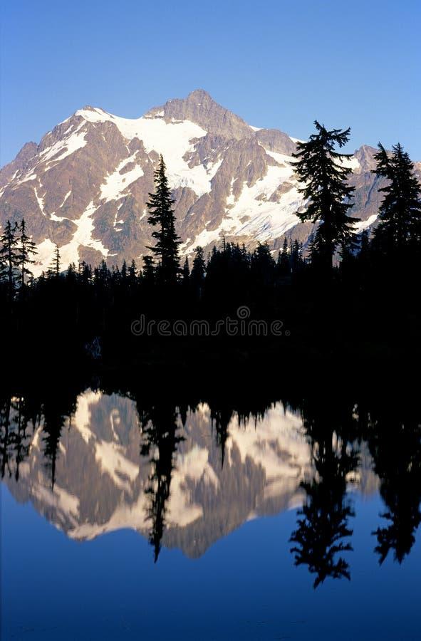 山反映 图库摄影
