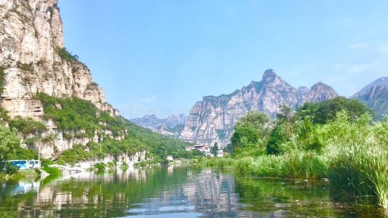 山和河在十渡,北京 库存照片